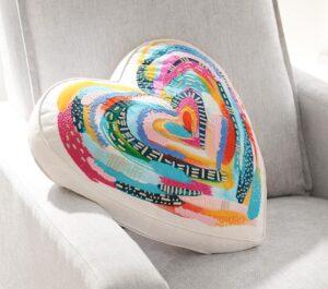 gối tựa lưng sofa hình trái tim